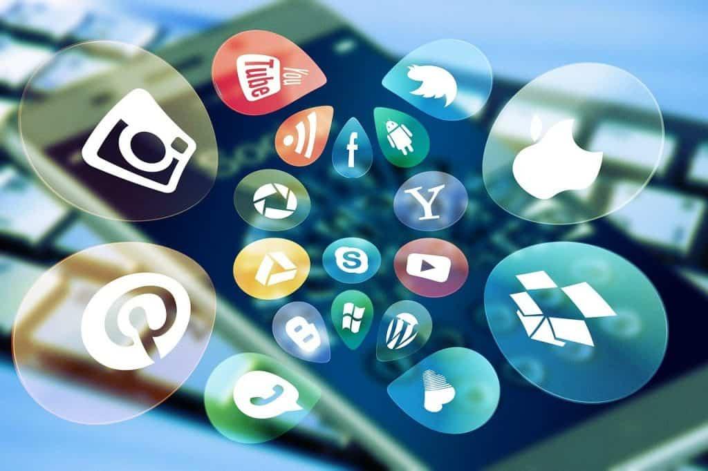 social media, social, keyboard-4140959.jpg